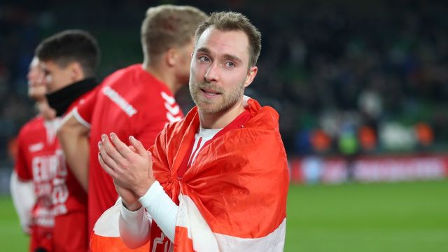 Christian Eriksen salud retiro médico desmayo Dinamarca