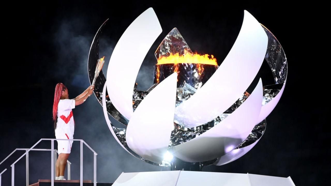 Tokyo 2020: Naomi Osaka fue la encargada de encender el pebetero olímpico -  Los Pleyers