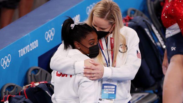 Tokyo 2020: Simone Biles se retira de la final de gimnasia por equipos por lesión