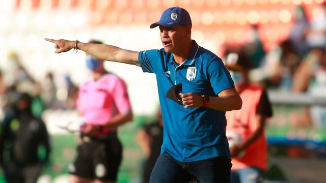 Liga BBVA MX_ Héctor Pity Altamirano deja de ser técnico de Querétaro