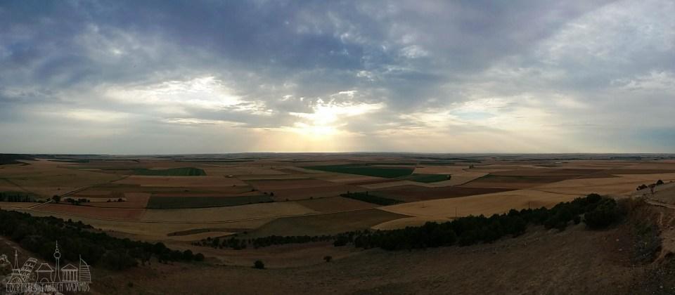 El Campo de Valladolid bajo un cielo de atardecer.