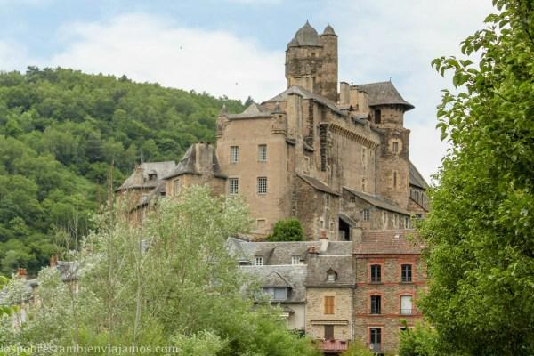 Estaing – Piedra y agua en el Aveyron