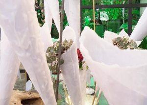 vaas-maken-van-kaarsvet-losse-bloemen-diy-waterdrinker-