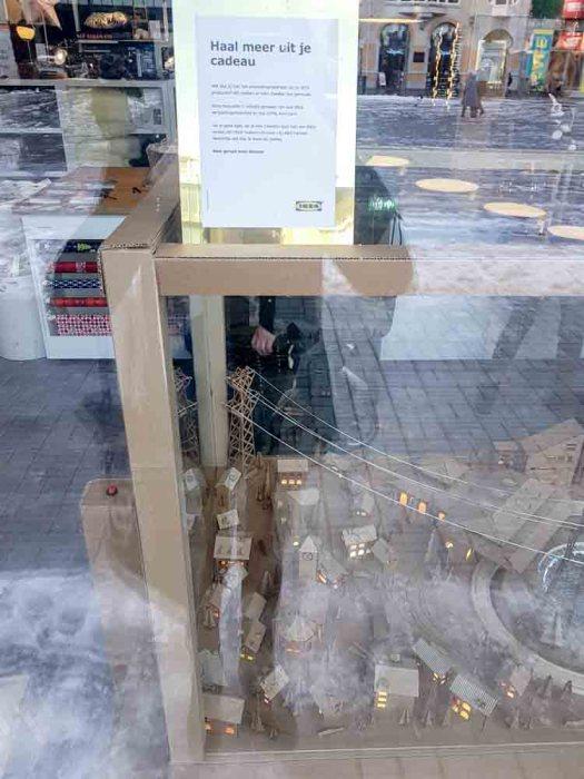 lossebloemen Kerstshoppen in hartje Utrecht losse bloemen ikea concept store