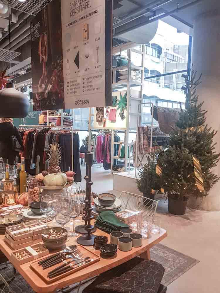 lossebloemen Kerstshoppen in hartje Utrecht losse bloemen Sissy boy hoog catharijne
