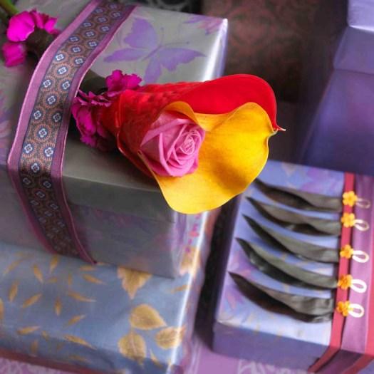lossebloemen waterbuisjes roos calla mooiwatbloemendoen inpakken