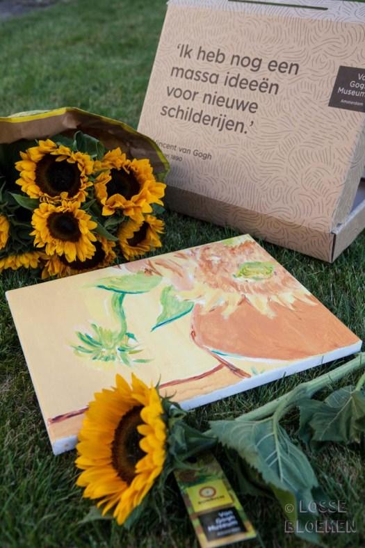 Zonnebloemen van gogh museum sunrichvangogh celebrate summer takiieurope - foto's lossebloemen.nl zonnebloem