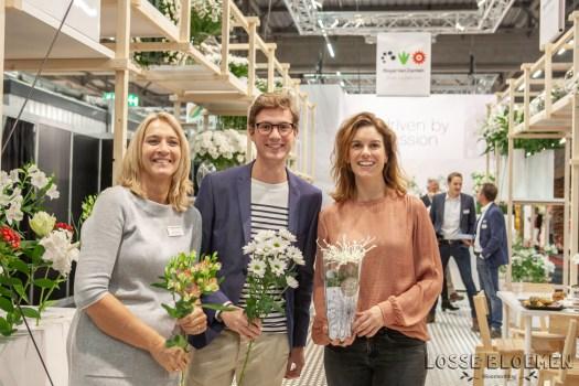 rvzbreeding - Royal van zanten marketing team Lossebloemen trade fair Royalfloaholland Aalsmeer 9 nov 2018 - bloemenblog lossebloemen.nl