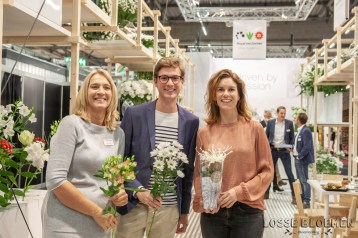 rvzbreeding - Royal van zanten marketing team Lossebloemen trade fair Royalfloaholland Aalsmeer 9 nov 2018 - bloemenblog lossebloemen.nl