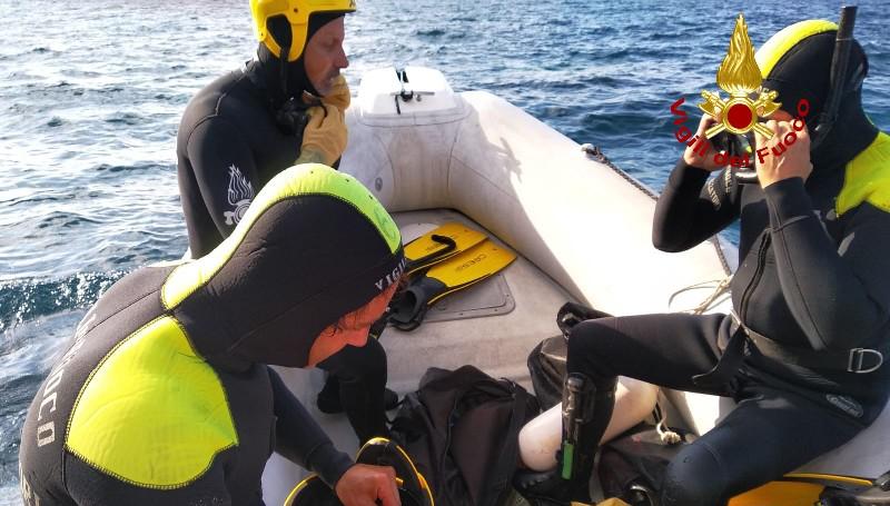 Quattro persone nelle acque del porto di Livorno