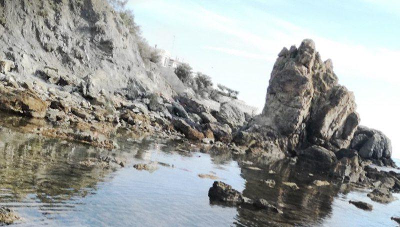Dramma a Livorno, bagnante muore annegato allo scoglio della Ballerina