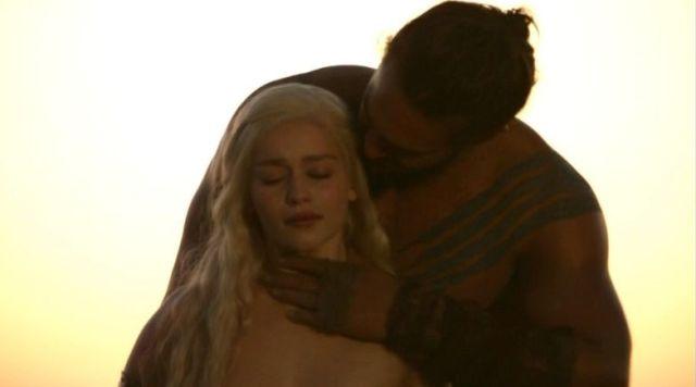 Daenerys-Targaryen-and-Khal-Drogo-daenerys-targaryen-24490232-783-436