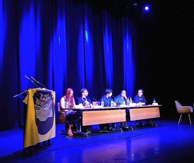 Panel de la Worldcon con Elio García, Adam Whitehead, Mr Peadar Ó Guilín y Ashaya y Aziz de History of Westeros