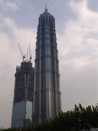 Jin Mao Tower und das neu entstehende Shanghai World Financial Center