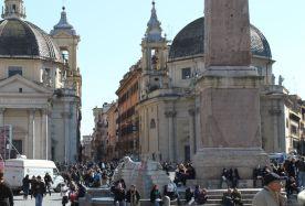 Fuß des Obelisken & Santa Maria dei Miracoli
