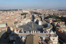 Blick auf den Piazza San Pietro (Petersplatz) & Rom