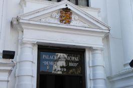 Palacio Municipal an der Plaza de la Independencia