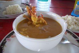Leckere Fischsuppe zum Mittagessen