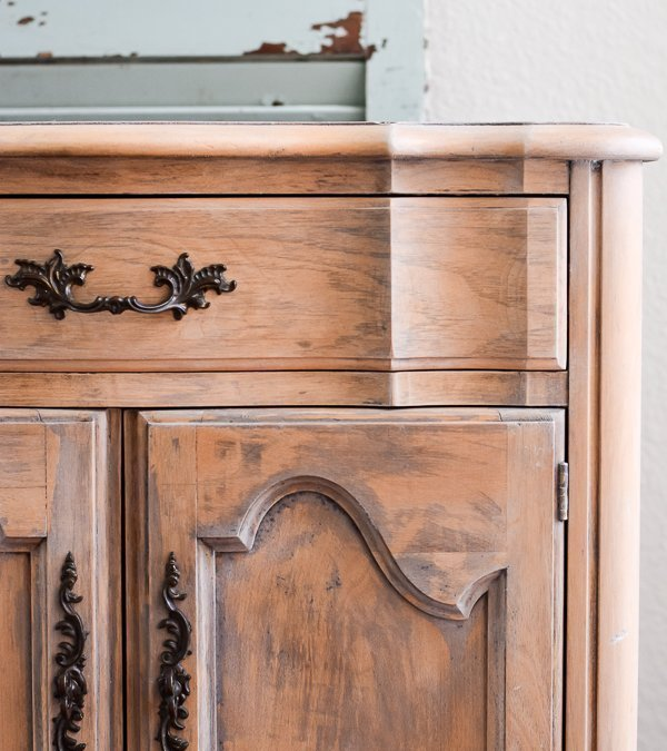 How to Strip Furniture {Nightstand Makeover}