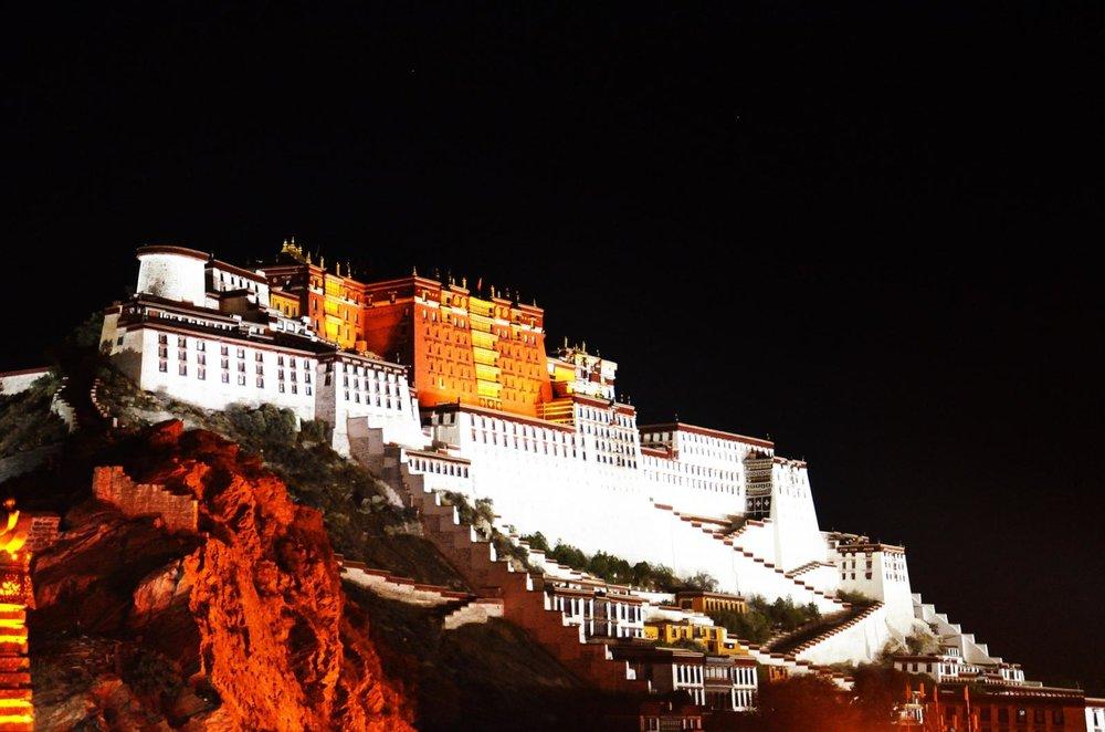 tibet-895492_1920.jpg