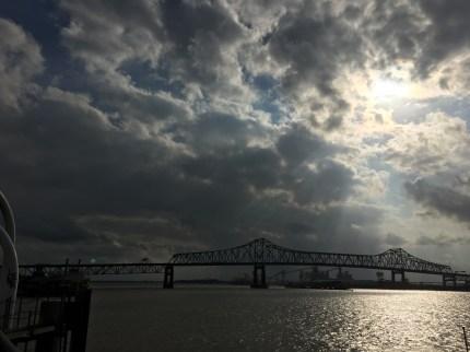 Bridge going over Mississippi River