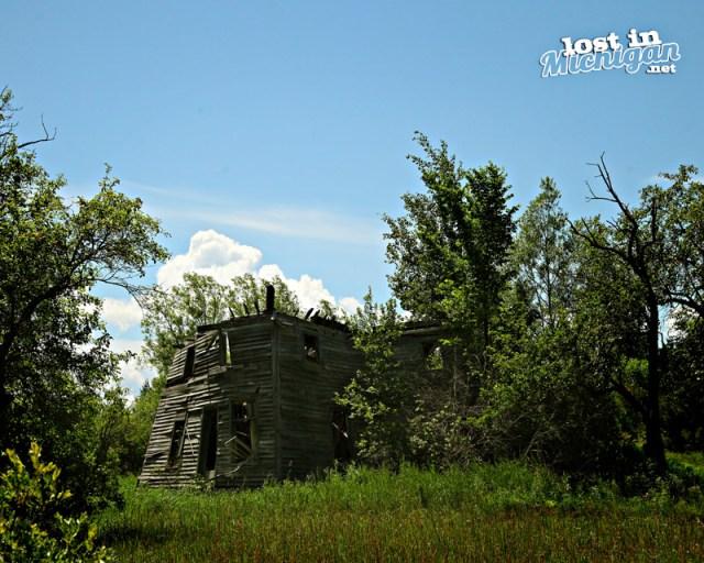 abandoned Michigan farmhouse