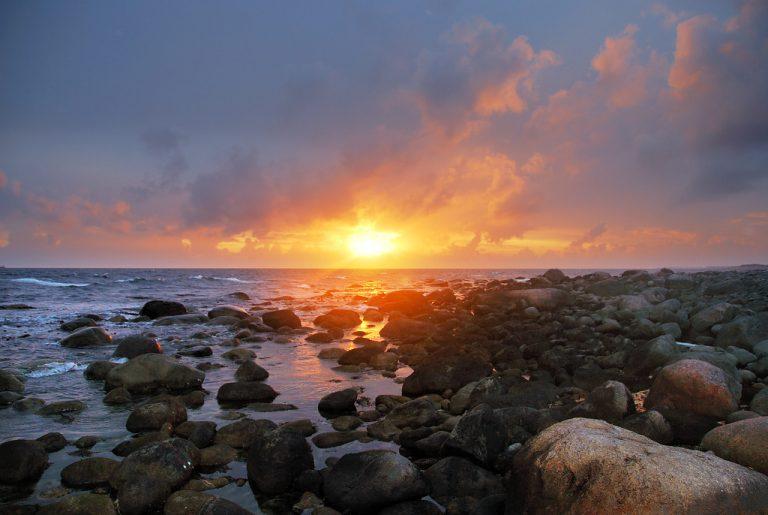 Nationaal Toeristische Routes - Zonsondergang aan de Noorse kust