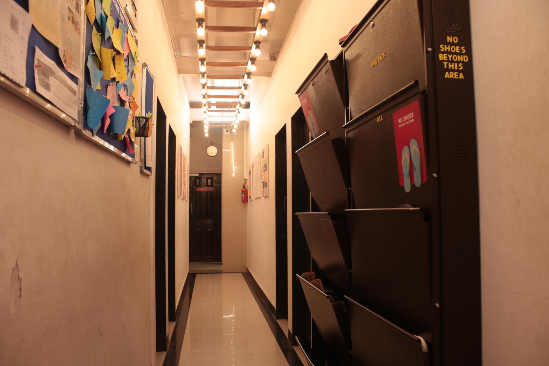 Cohostel Bandra – Stay Well and Explore Mumbai