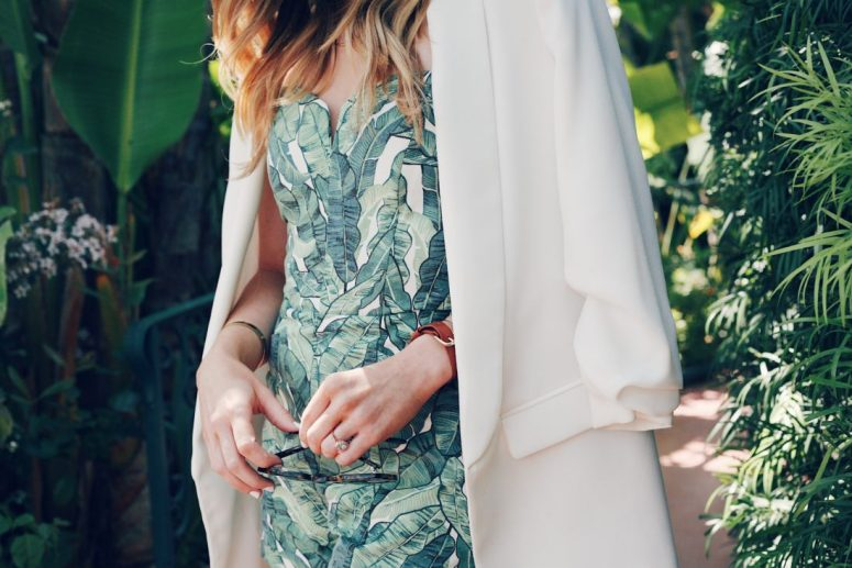 palm print summer outfit