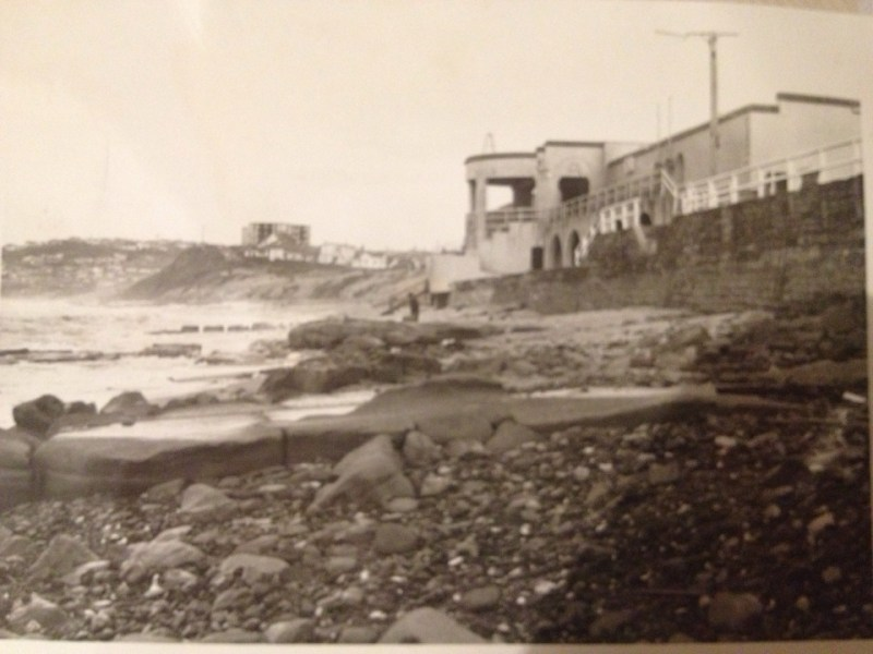 Bar Beach 27 May 1974 - photo from Lost Newcastle member Jeffrey Fergusson.
