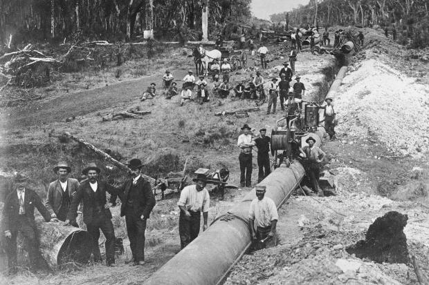 Laying_the_golden_pipeline_Perth_Kalgoorlie