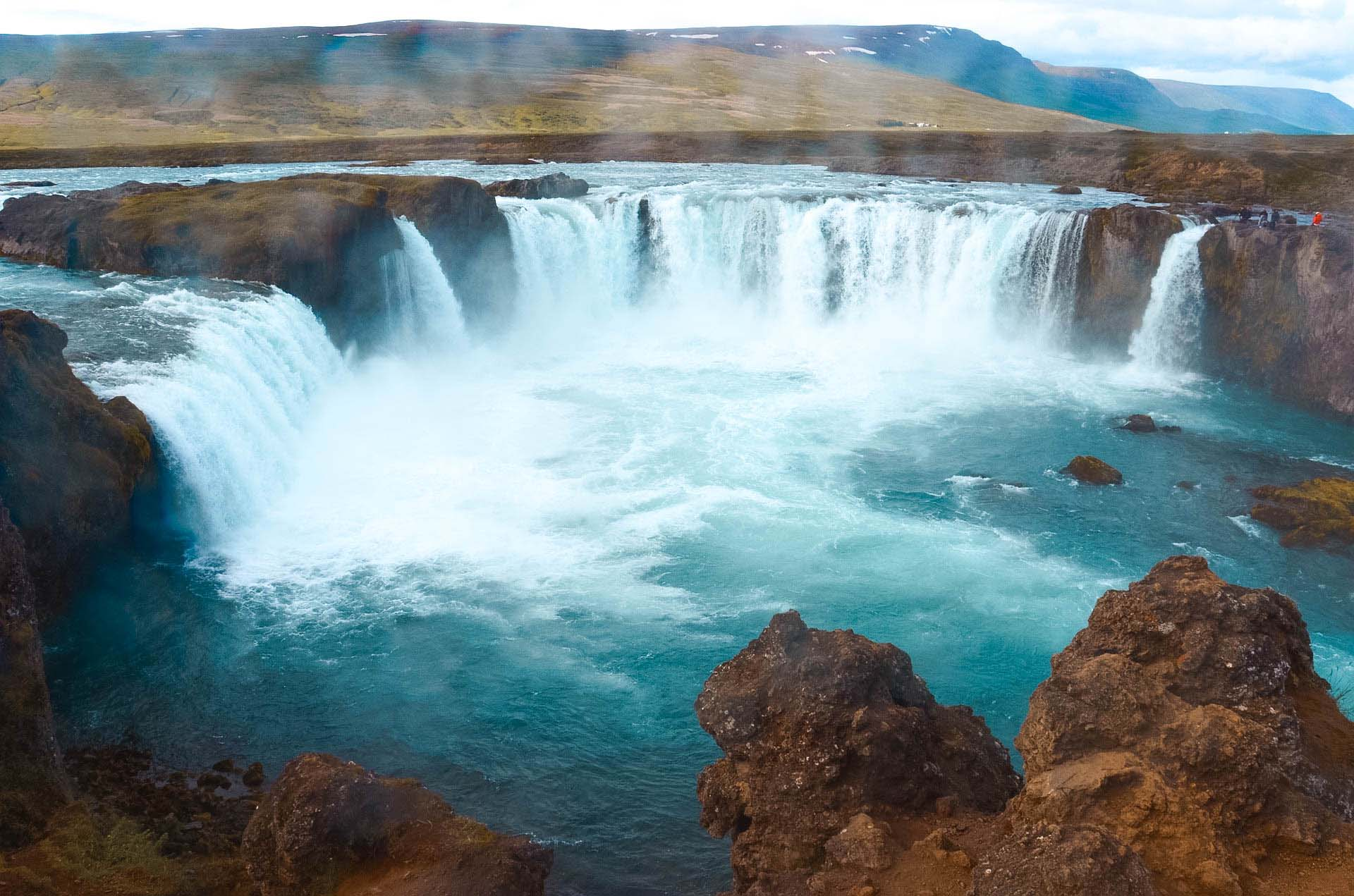 Las 20 mejores cascadas en Islandia  Los Traveleros