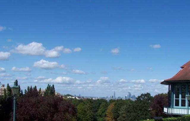 Hornimam Gardens, la vista su Londra arriva fino al Wembrey Stadium