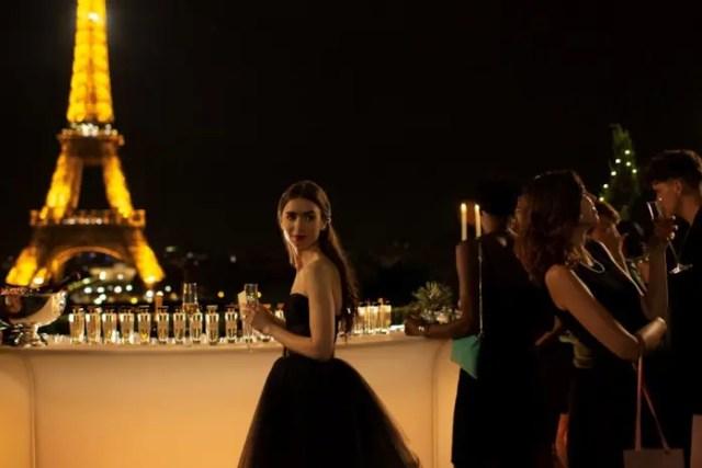 Emily in Paris: la terrazza che da sulla Tour Eiffel è una delle locations più belle dello show