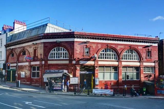 Hampstead Station, una delle due stazioni per raggiugere il quartiere