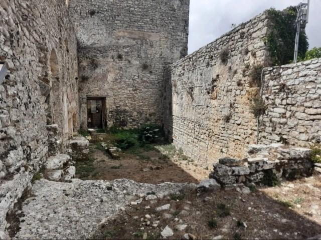 Interno del Castello di Venere nel Borgo Medievale di Erice
