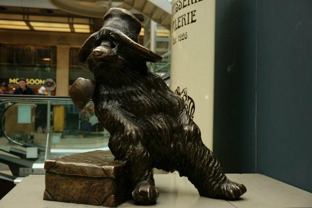 L'orsetto Paddington, la mascotte del quartiere
