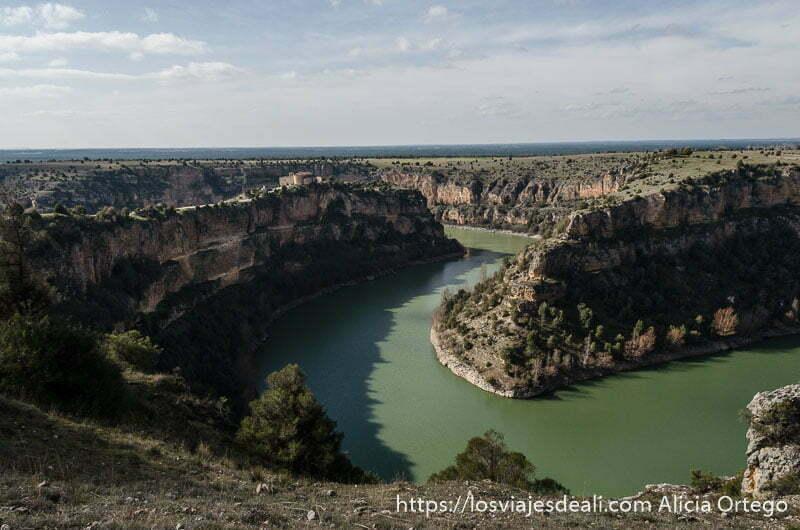 curvas del río en las hoces del duratón