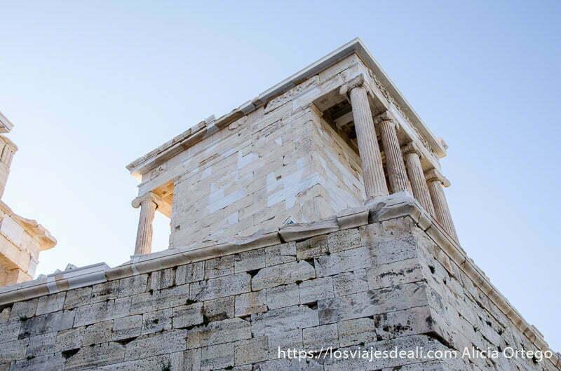 templo de atenea niké acrópolis de atenas y su museo