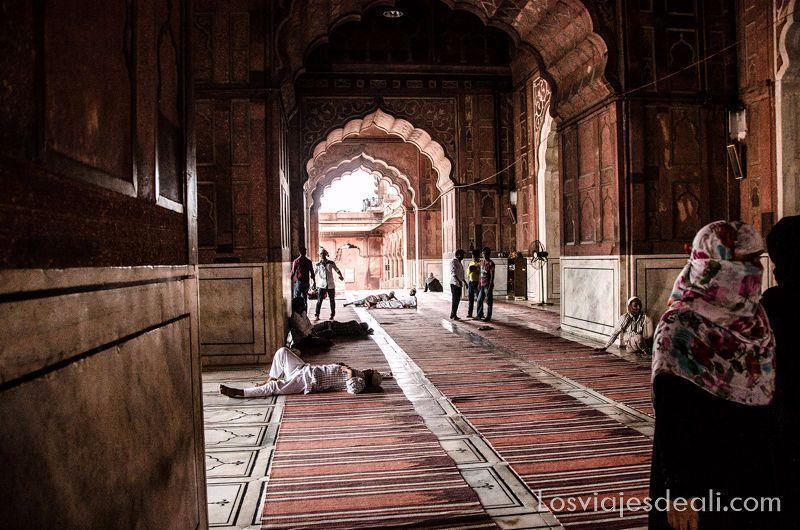 qué ver en Delhi mezquita