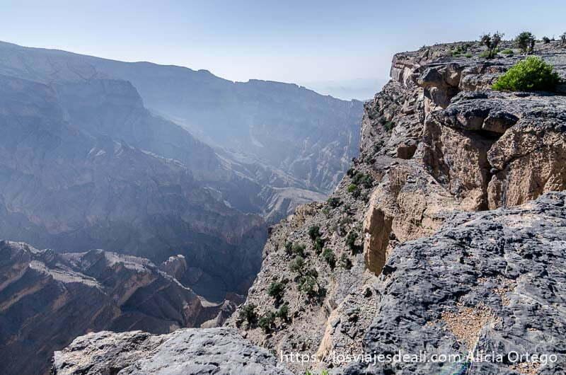 vista de las montañas desde el mirador omán