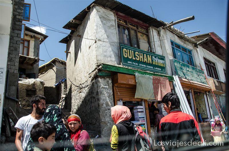 pueblos de Cachemira niñas en Kargil