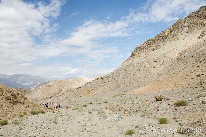 trekking cerca de Leh andando