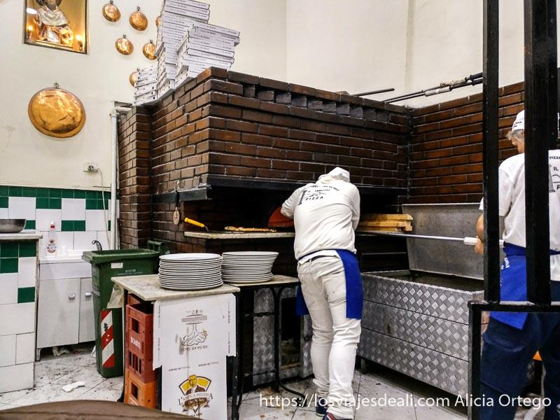cocina de pizzería de nápoles