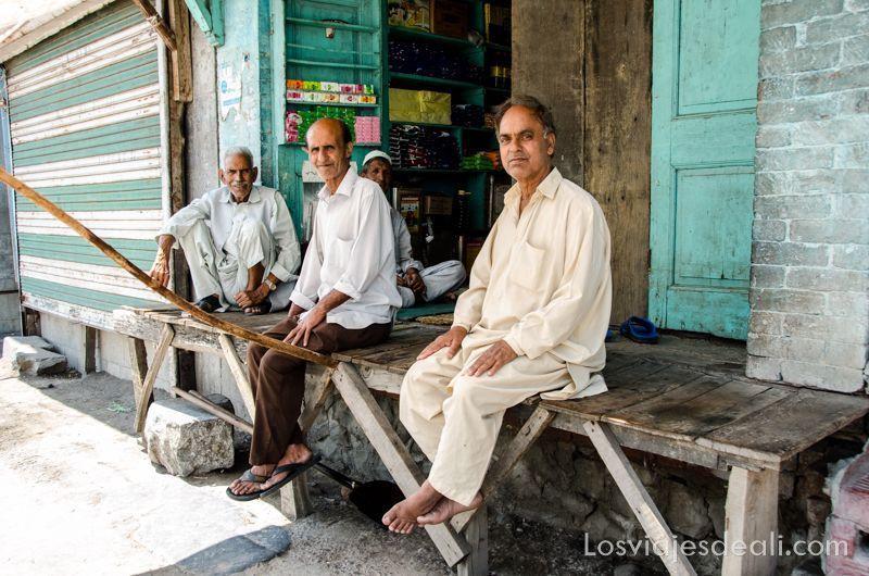 Srinagar señores