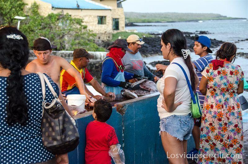 vivir en las islas galápagos mercado