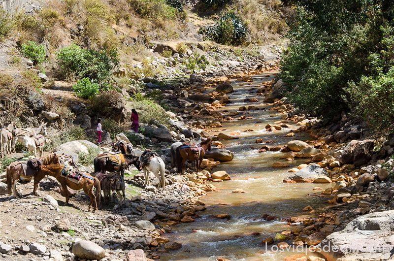 río de chavin de huantar perú