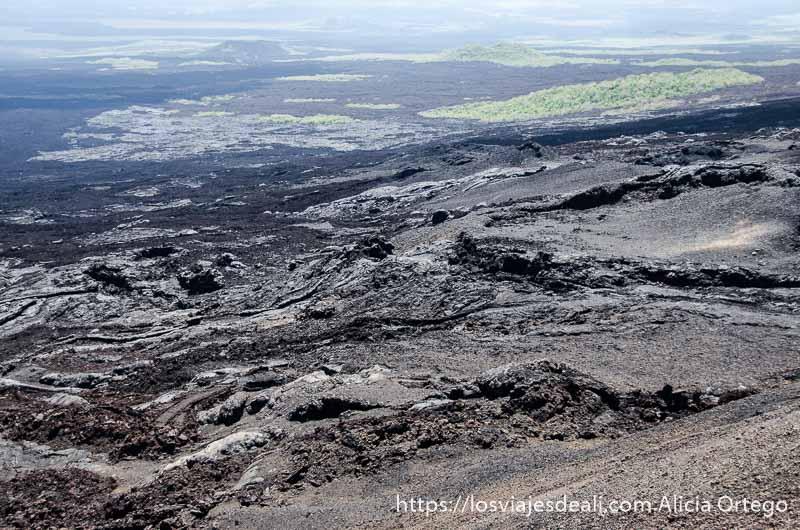 paisaje volcánico en isla isabela