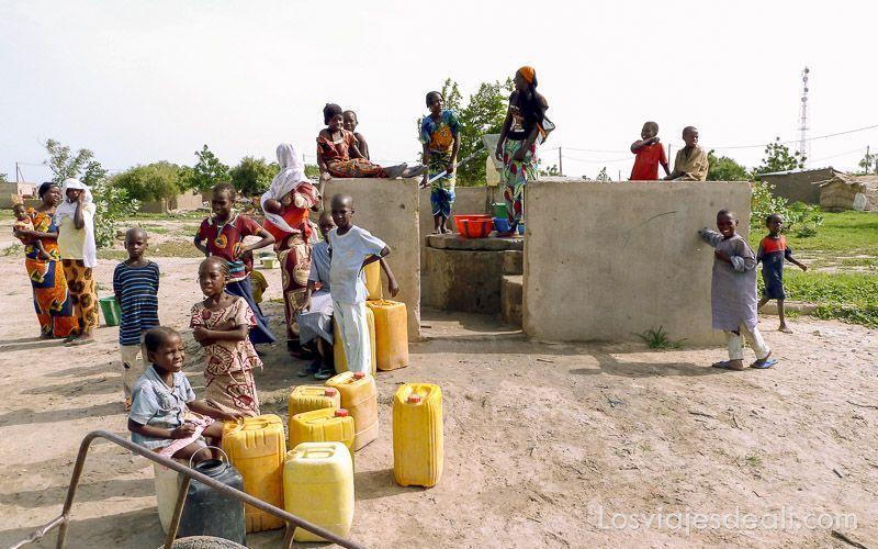 pozo de agua en el Sahel de Camerún