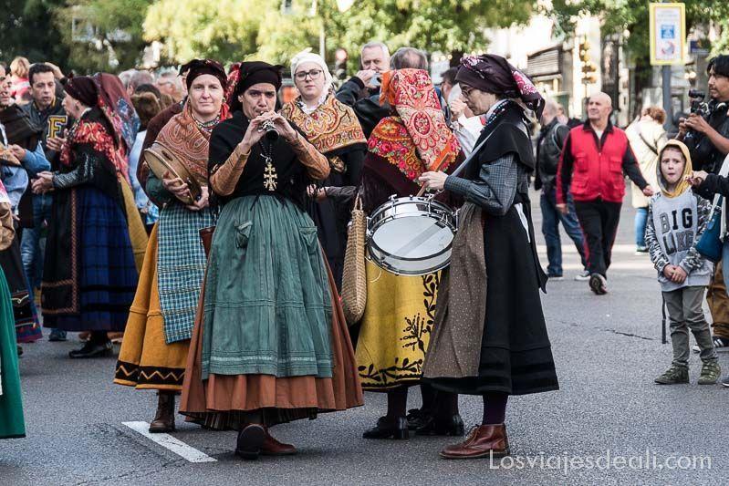 fiesta de la trashumancia desfile pastoras